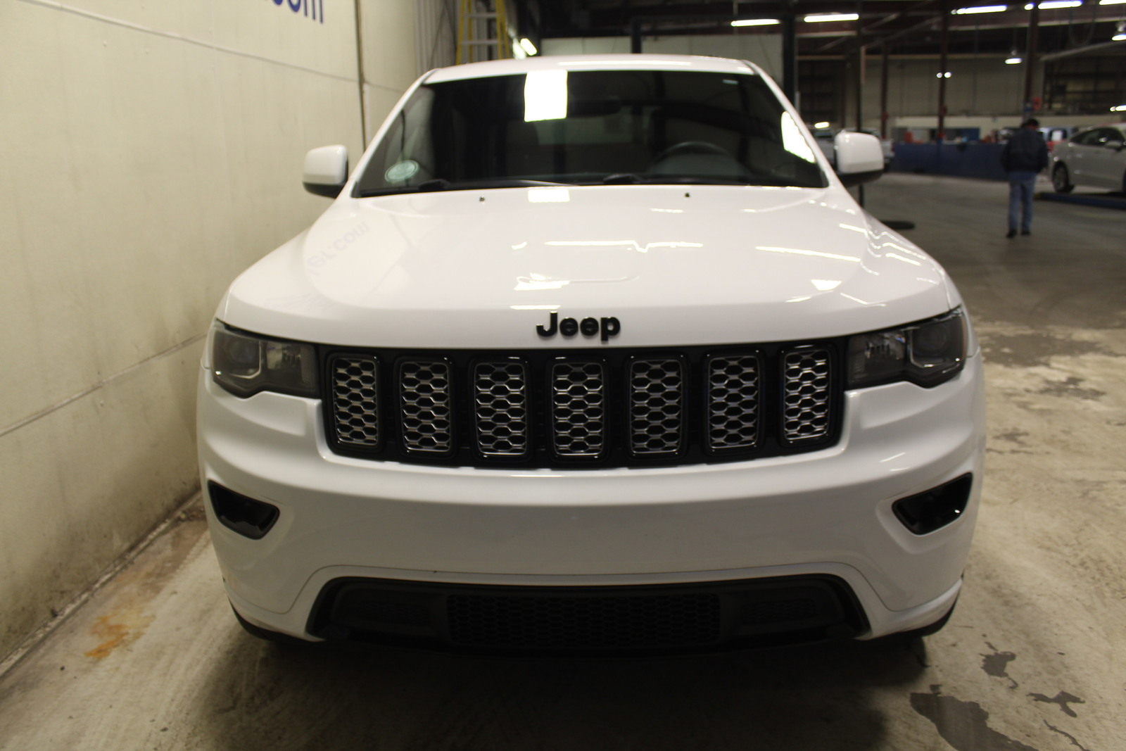 Pre-Owned 2018 Jeep Grand Cherokee Altitude 4x4 *Ltd Avail*