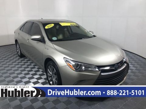 Pre-Owned 2017 Toyota Camry Hybrid XLE CVT