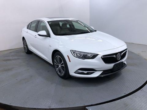 Pre-Owned 2018 Buick Regal Sportback 4dr Sdn Essence FWD